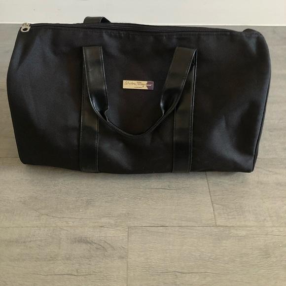 bca364baee Authentic Salvatore Ferragamo travel bag. M 5a931908a6e3eae60a0146e7